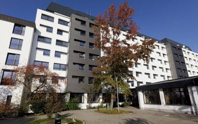 Отель DJH City-Hostel Köln-Riehl Германия, Кёльн - отзывы, цены и фото номеров - забронировать отель DJH City-Hostel Köln-Riehl онлайн вид на фасад