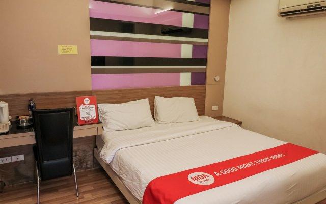 Отель Nida Rooms Khlong Toei 390 Sky Train Бангкок комната для гостей