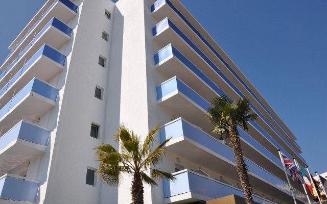 Отель Blue Sea Montevista Hawai Испания, Льорет-де-Мар - 3 отзыва об отеле, цены и фото номеров - забронировать отель Blue Sea Montevista Hawai онлайн вид на фасад