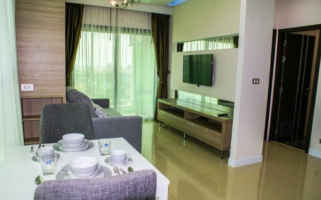 Отель Dusit Grand Condo View Jomtien Паттайя комната для гостей