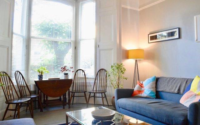 Отель Modern 1 Bedroom Flat in Finsbury Park Великобритания, Лондон - отзывы, цены и фото номеров - забронировать отель Modern 1 Bedroom Flat in Finsbury Park онлайн комната для гостей