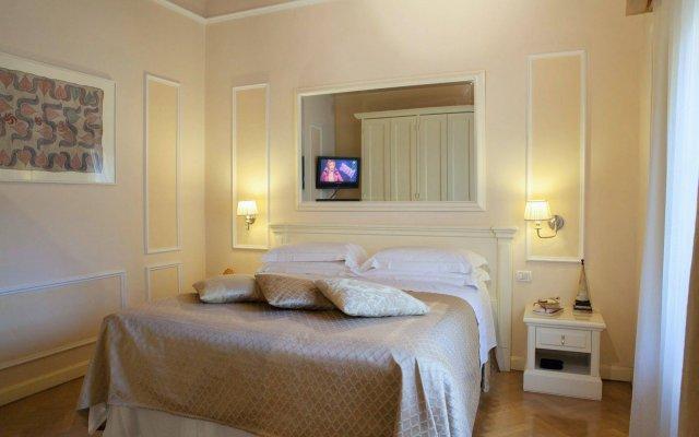 Отель Granduomo Charming Accomodation Флоренция комната для гостей