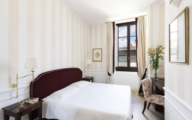 FH55 Hotel Calzaiuoli комната для гостей