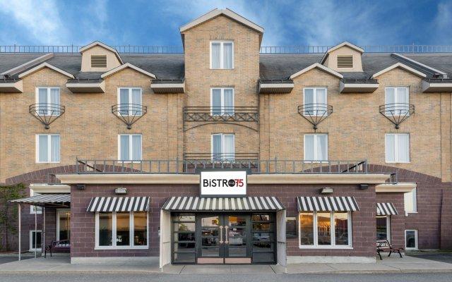 Отель Ramada Plaza by Wyndham Gatineau/Manoir du Casino Канада, Гатино - отзывы, цены и фото номеров - забронировать отель Ramada Plaza by Wyndham Gatineau/Manoir du Casino онлайн вид на фасад