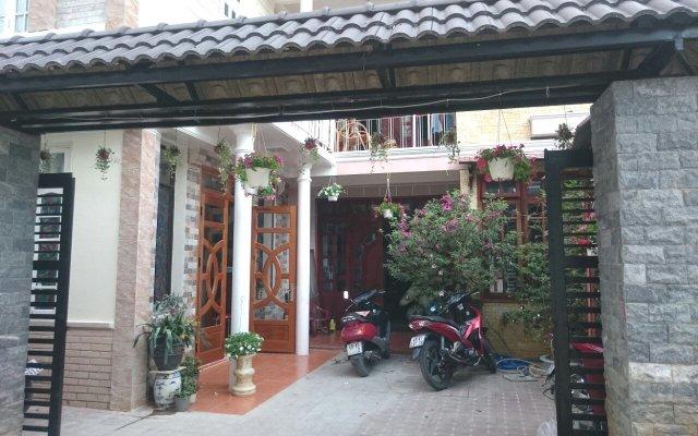 Hoang Trang Hostel Далат вид на фасад