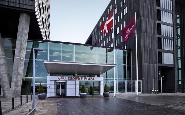 Отель Crowne Plaza Copenhagen Towers вид на фасад