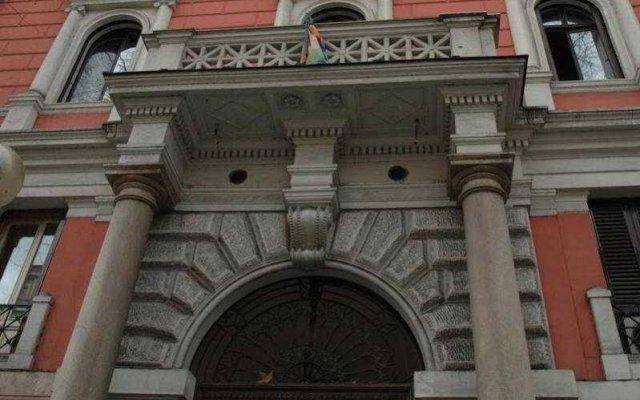 Отель Cesar Palace - B&B вид на фасад