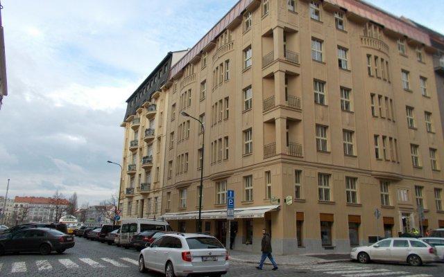 Отель Riverside Spirit Прага вид на фасад