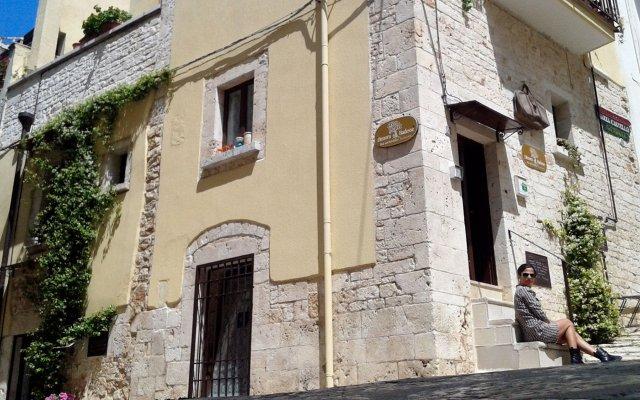 Отель Dimora delle Badesse Италия, Конверсано - отзывы, цены и фото номеров - забронировать отель Dimora delle Badesse онлайн вид на фасад