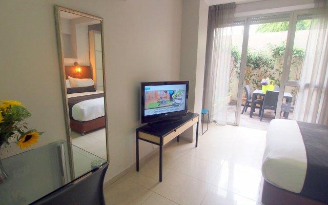 Sea Land Suites Израиль, Тель-Авив - 11 отзывов об отеле, цены и фото номеров - забронировать отель Sea Land Suites онлайн комната для гостей