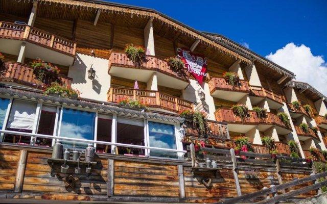 Отель Les Bains вид на фасад