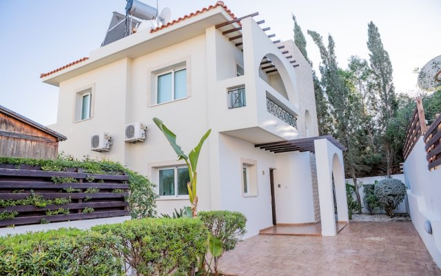Отель Konnos Beach Villa No 5 вид на фасад