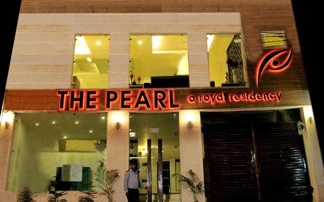 Отель The Pearl - A Royal Residency Индия, Нью-Дели - отзывы, цены и фото номеров - забронировать отель The Pearl - A Royal Residency онлайн вид на фасад