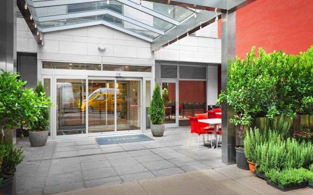 Отель Fairfield Inn & Suites by Marriott New York ManhattanChelsea США, Нью-Йорк - 1 отзыв об отеле, цены и фото номеров - забронировать отель Fairfield Inn & Suites by Marriott New York ManhattanChelsea онлайн вид на фасад
