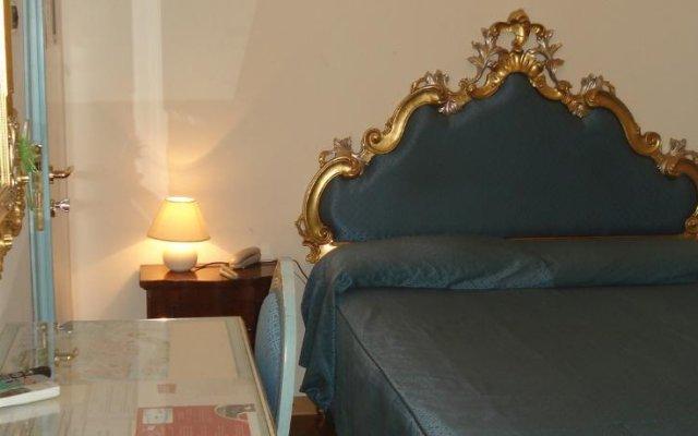 Отель Guest House Piccolo Vecellio Италия, Венеция - отзывы, цены и фото номеров - забронировать отель Guest House Piccolo Vecellio онлайн комната для гостей