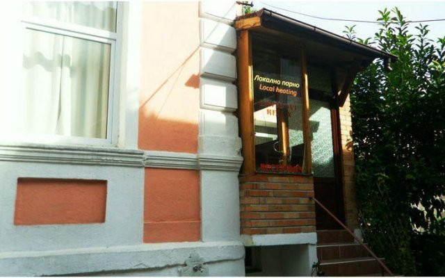 Отель Davidovi Relax Guest Rooms Болгария, Варна - отзывы, цены и фото номеров - забронировать отель Davidovi Relax Guest Rooms онлайн вид на фасад