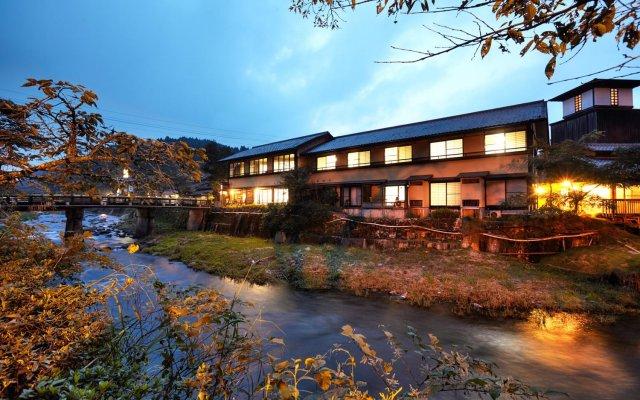 Отель Daimaru Ryokan Минамиогуни вид на фасад