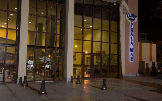 Отель Clube Praia Mar Португалия, Портимао - отзывы, цены и фото номеров - забронировать отель Clube Praia Mar онлайн вид на фасад