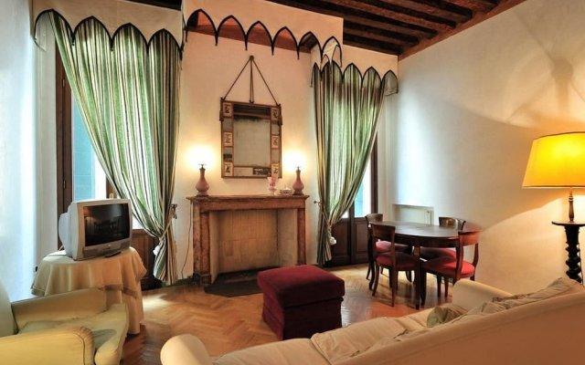 Отель Sleep In Italy - San Marco Apartments Италия, Венеция - отзывы, цены и фото номеров - забронировать отель Sleep In Italy - San Marco Apartments онлайн комната для гостей