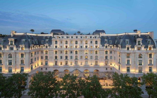 Отель The Peninsula Paris Франция, Париж - 1 отзыв об отеле, цены и фото номеров - забронировать отель The Peninsula Paris онлайн вид на фасад