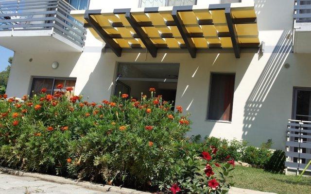 Отель Aparthotel Vila Tufi Албания, Шенджин - отзывы, цены и фото номеров - забронировать отель Aparthotel Vila Tufi онлайн вид на фасад