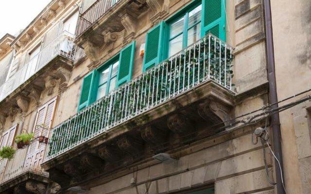 Отель Sirhouse Италия, Сиракуза - отзывы, цены и фото номеров - забронировать отель Sirhouse онлайн вид на фасад