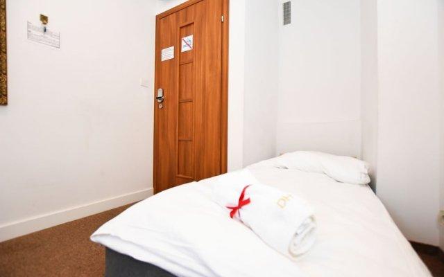 Отель Dukes Hostel - Old Town Польша, Вроцлав - отзывы, цены и фото номеров - забронировать отель Dukes Hostel - Old Town онлайн вид на фасад