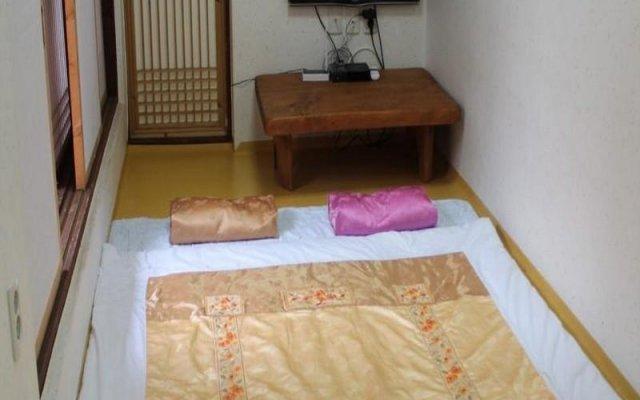 Отель Gahoe Hanok Guest House Южная Корея, Сеул - отзывы, цены и фото номеров - забронировать отель Gahoe Hanok Guest House онлайн удобства в номере