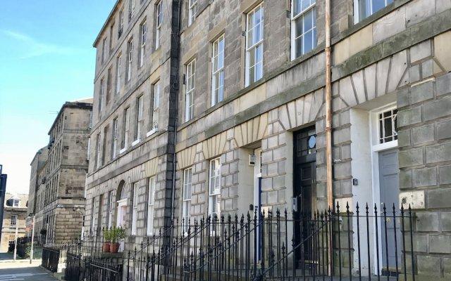 Отель Escape To Edinburgh @ Broughton Place Великобритания, Эдинбург - отзывы, цены и фото номеров - забронировать отель Escape To Edinburgh @ Broughton Place онлайн вид на фасад