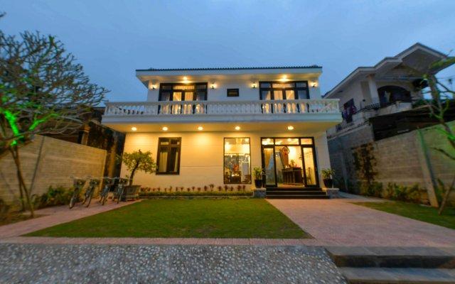 Отель Hoi An Sunny Pool Villa вид на фасад