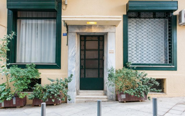 Апартаменты Monastiraki Apartments By Livin Urbban Афины вид на фасад