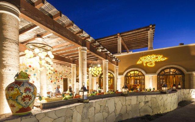 Отель Hacienda Encantada Resort & Residences вид на фасад