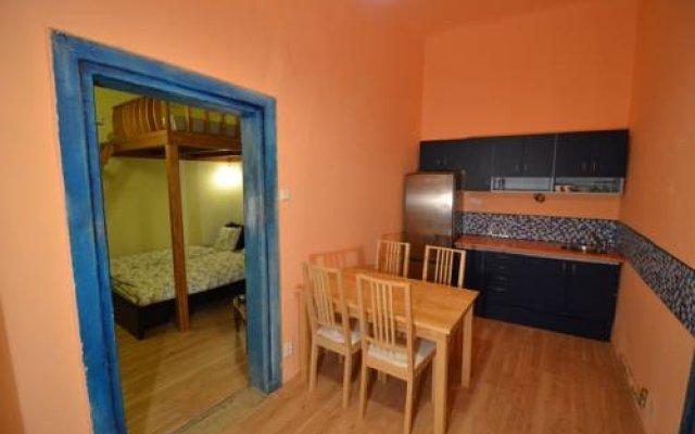 Отель Old Town Apartment Caroli Чехия, Прага - отзывы, цены и фото номеров - забронировать отель Old Town Apartment Caroli онлайн комната для гостей