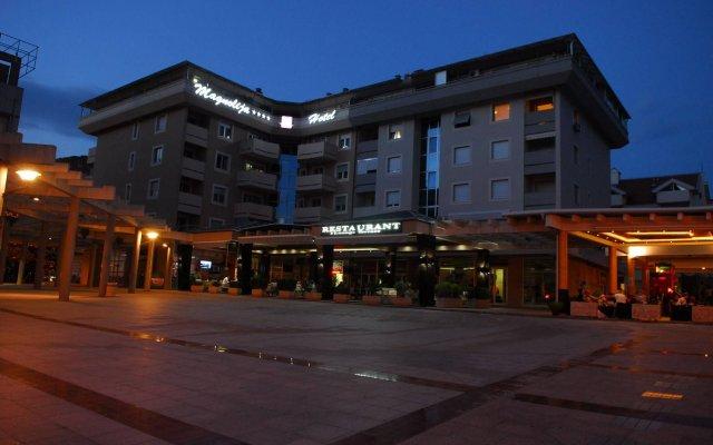 Отель Magnolia Черногория, Тиват - отзывы, цены и фото номеров - забронировать отель Magnolia онлайн вид на фасад