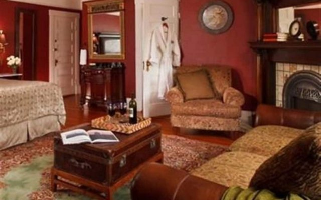 Abbeymoore Manor Bed & Breakfast Inn