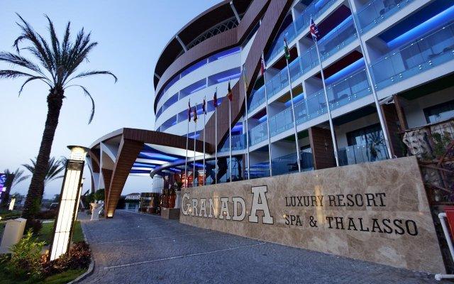 Granada Luxury Resort & Spa Турция, Аланья - 1 отзыв об отеле, цены и фото номеров - забронировать отель Granada Luxury Resort & Spa онлайн вид на фасад
