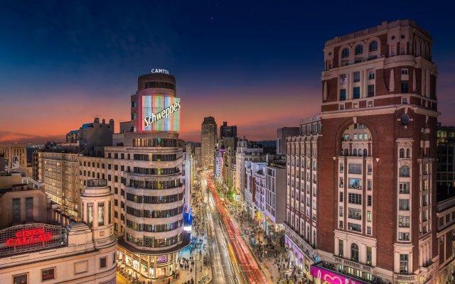 Отель Aloft Madrid Gran Via вид на фасад