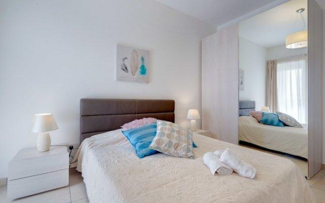 Отель Fabulous LUX APT inc Pool, Sliema Upmarket Area Мальта, Слима - отзывы, цены и фото номеров - забронировать отель Fabulous LUX APT inc Pool, Sliema Upmarket Area онлайн вид на фасад