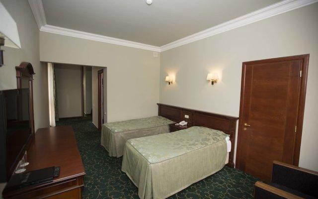 Hotel Russia 1