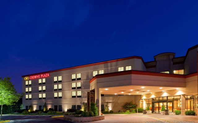 Crowne Plaza Dulles Airport, an IHG Hotel