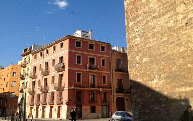 Отель Valencia Flat Rental Central Market Валенсия вид на фасад