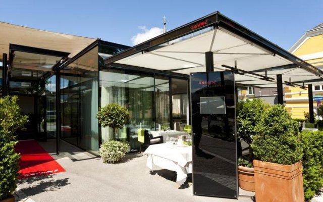 Отель Casinohotel Velden вид на фасад