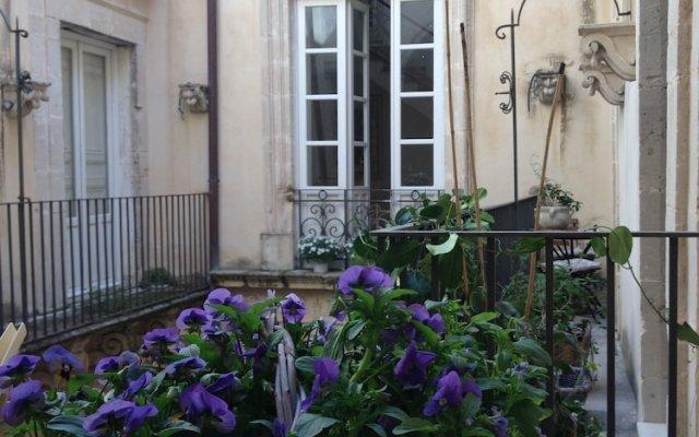 Отель Ortigia luxury Италия, Сиракуза - отзывы, цены и фото номеров - забронировать отель Ortigia luxury онлайн вид на фасад