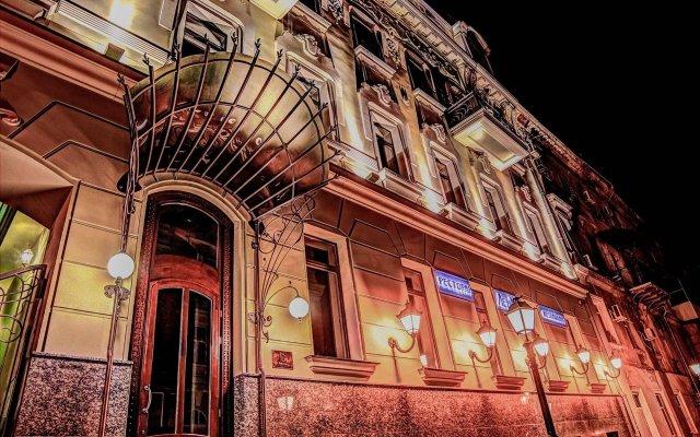 Дюк Отель Одесса вид на фасад