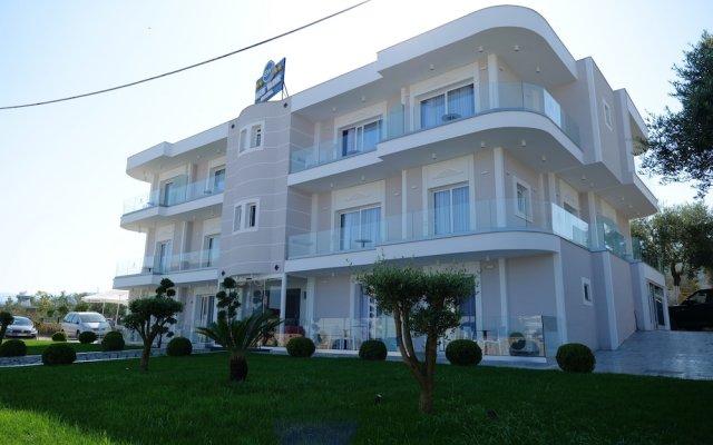 Blue Water Hotel 0