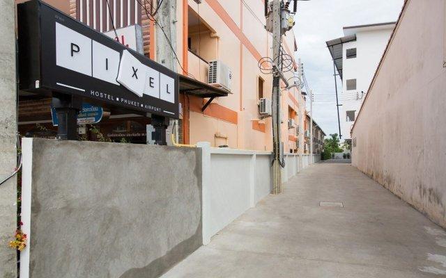 Pixel Hostel Phuket Airport вид на фасад