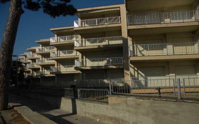 Отель Apartamentos DMS 5 Испания, Салоу - отзывы, цены и фото номеров - забронировать отель Apartamentos DMS 5 онлайн вид на фасад