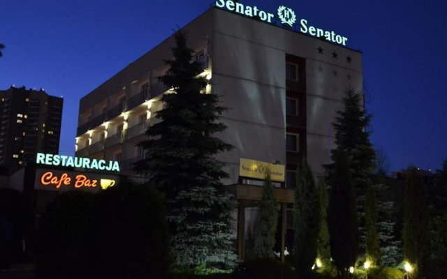 Отель Senator вид на фасад