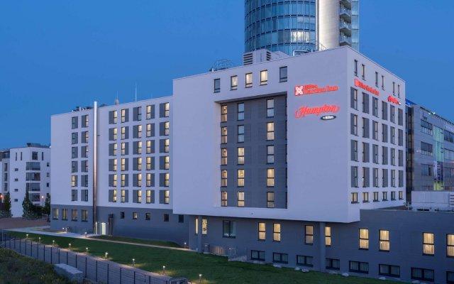 Отель Hilton Garden Inn Munich City Centre West, Germany вид на фасад