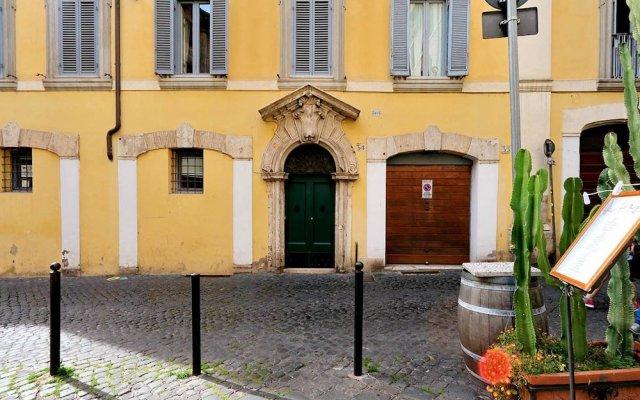 Апартаменты Farnese Elegant Apartment вид на фасад